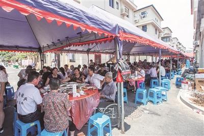 300桌!昨天杭州骆家庄摆了超大规模的端午宴